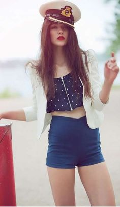 Love the nautical style