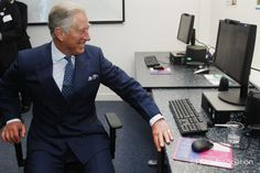 The Prince of Wales makes a call using Skype during a visit to open @age_uk Tavis House, London. They had a look on Skype video call recorder Supertintin as well.