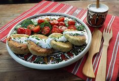 Chiftelute cu branza de vaci si ceapa verde la cuptor- Video Bruschetta, Food To Make, French Toast, Breakfast, Ethnic Recipes, Green, Morning Coffee