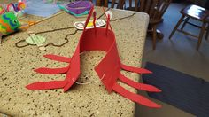 Back of crab hat.