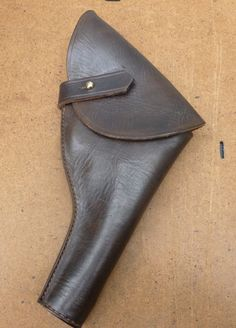 Custom made leather equipment Pistol Holster, Indiana Jones, Wwii, Temple, How To Draw Hands, Cosplay, Hats, Leather, Accessories