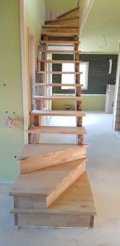 오크 집성판으로 만든 계단