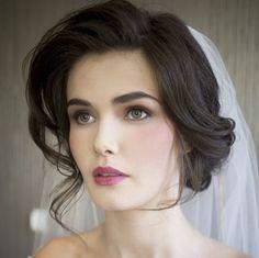 Opción perfecta para un maquillaje y peinado sencillos. #Bride #Makeup #Hair