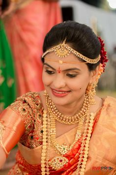 Gorgeous Bride in goldenthreads costume . South Indian Weddings, South Indian Bride, Indian Bridal, Kerala Bride, Bridal Hair And Makeup, Bride Makeup, Indian Hair Cuts, Ruby Necklace Designs, Hindu Bride