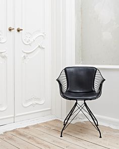 Wire Dining Chair is a minimalist design created by Denmark-based designer Overgaard & Dyrman. (6)