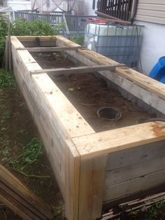 Wicking Worm bed made from pallets, skid material, and scrap lumber