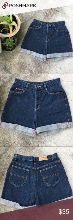 "Vintage Mom Shorts Sz 30 Vintage Denim Riders Mom Shorts Waist 30"" with 15"" Rise   #vintage #momshorts #momjeans #denim #shorts  #posh Riders by Lee Shorts Jean Shorts"