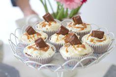 Chocolate Salted Caramel Cupcakes Recipe #saltedcaramel #cupcakerecipe #bakingblog