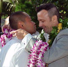 Romantic LGBT Weddings on Oahu at Tiki Moon Villas