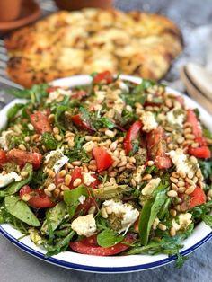 Good Protein Foods, Healthy Carbs, Healthy Foods To Eat, Healthy Eating, What Is Healthy Food, Quick Healthy Meals, Healthy Salads, Mozarella, Mozzarella Salad