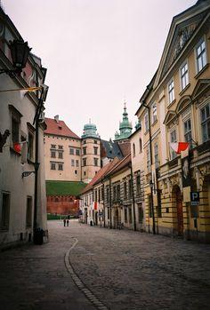Kanonicza, Krakow - Poland (by Monica Kelly)