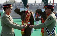 Pakistan Army: General Ashfaq Kayani handover command baton to General Raheel Sharif.