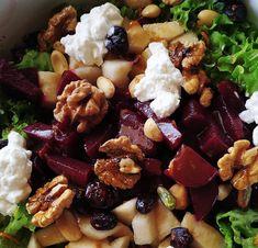 Πράσινη σαλάτα με παντζάρια, ανθότυρο ξηρούς καρπούς Salad Recipes, Healthy Recipes, Healthy Meals, Light Recipes, Acai Bowl, Salads, Bakery, Recipies, Sweet Home