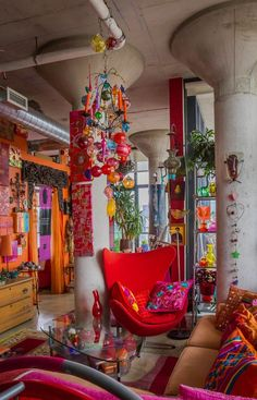 a vibrant living jewelry box color explosion to life!