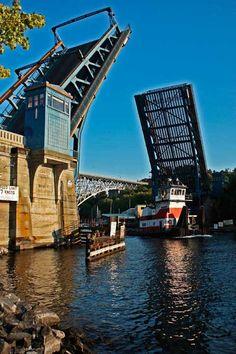 Fremont Bridge, Double leaf Bascule, Tugboat, Lake Union, Lake Washington Ship Canal, Seattle WA, 091412Seat97V-1013