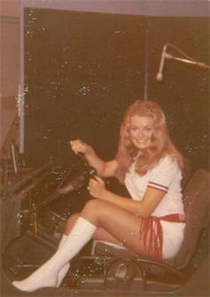 MISS AMERICA USO SHOW 1971- Entertaining U.S. military during War in South Vietnam.   www.missaustin.org/About-Us.html