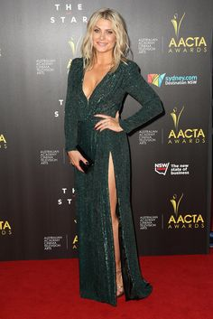 Natalie Bassingthwaighte wore a sequinned Leah Da Gloria creation. Natalie Bassingthwaighte, Aacta Awards, Tv Awards, Celebrity Red Carpet, Big Star, Celebrity Pictures, Amazing Women, Couture, Formal Dresses