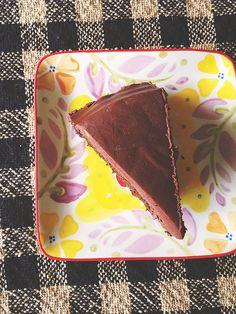Vegan Chocolate Cake   Chocolate PB Ganache for Valentine's Day // neverhomemaker