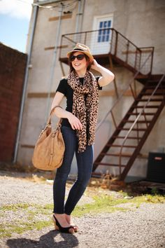 Fedora, Leopard Scarf, Black Top, Easy Outfit Women's Fashion