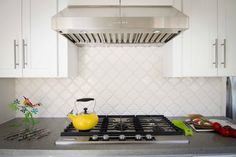 Arabesque Tile: Its unique and traditional shape is both curvy and sharp, making it universally attractive and excitingly geometric.
