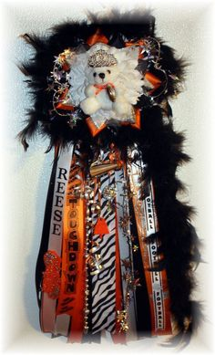 Cutie Patooties Homecoming Mum by cricketw70 on Etsy, $45.00