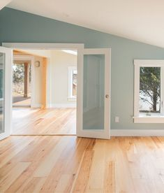 Ideas Painted Wood Floors Bedroom Ideas Wide Plank For 2019 Hickory Wood Floors, Hickory Cabinets, Painted Wood Floors, Hardwood Floors, Wide Plank Flooring, Light Wood Flooring, Light Colored Wood, Craftsman Kitchen, Up House