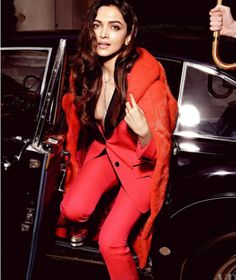 Deepika Padukone, allegedly the highest paid actress of today, is seen here donning a red hot suit for the photo-shoot of Vanity Fair magazine. Bollywood Celebrities, Bollywood Fashion, Bollywood Actress, Bollywood News, Bollywood Images, Bollywood Outfits, Vintage Bollywood, Hot Suit, Dipika Padukone