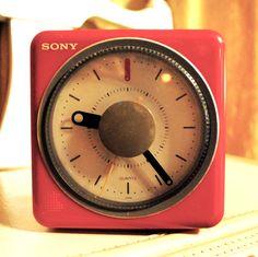 sony retro red clock