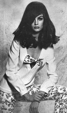 Vogue UK April 1965  Jean Shrimpton by David Baileythe attitude she is posing effortless and still she is attractive and sexy , small details of the outfit small floral prints and the bow ...