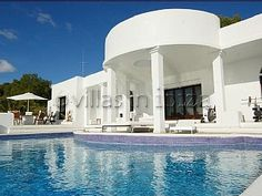 El Xico -stunning mansion in ibiza with its own nightclub and bar under the pool. WANT