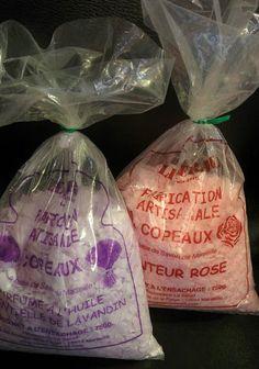 Paillettes de savon de Marseille 72% EXTRA PUR 750 gr Water Bottle, Laundry Stain Remover, Aleppo Soap, Soap Shop, Glitter