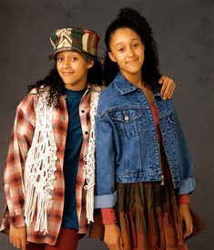 A Much-Needed Blast from the Past! 12 TV Show Reboots We're Really Excited About Sisters Tv Show, Tia And Tamera Mowry, Female Friendship, Princess Photo, 90s Outfit, Black Lace Tops, 90s Fashion, Female Fashion, Moda Femenina