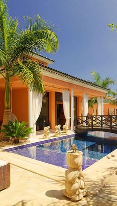 Royal Garden Villas & Spa: Each breezy villa at Royal Garden Villas & Spa is equipped with a private pool. Tenerife, Beautiful Pools, Beautiful Places, Ibiza, Villas, Garden Villa, Royal Garden, My Pool, Dream Pools