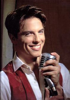 John Barrowman (Desperate Housewives, Torchwood) http://www.imdb.com/name/nm0057882/