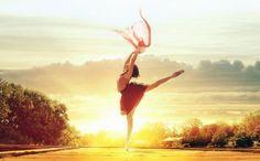 Danse avec moi.  http://autourdeflorence.fr/actualites/article-305-20160823305-danse-avec-moi.html