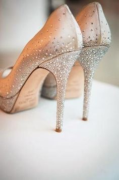 Sparkly champagne wedding shoes by Jimmy Choo (forget wedding shoes these puppies need wearing everywhere!!)