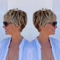 Brown Pixie Bob with Blonde Highlights Short Hairstyles Over 50, Classic Hairstyles, Best Short Haircuts, Short Hairstyles For Women, Cool Hairstyles, Updos Hairstyle, Pixie Haircuts, Bouffant Hairstyles, Hairstyles Videos