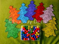 Juf Lindsay: Motoriek: 'Kerstballen in de boom' Christmas Tree Themes, Noel Christmas, Christmas Crafts, 3 Year Old Activities, Christmas Activities, Toddler Fun, Toddler Crafts, December 2013, Name Cards