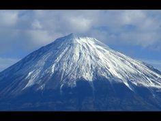 Erupcja wulkanu Fudżi może się stać kolejnym wielkim kataklizmem w Japonii - YouTube