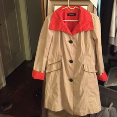Ellen Tracy Trench coat Beautiful trench coat by Ellen Tracy . The inside size tag is missing but it fits a size 12/14 Ellen Tracy Jackets & Coats Trench Coats