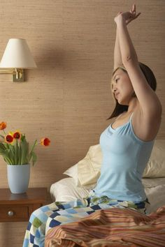 3 Wake-Up Stretches to Do in Bed | LIVESTRONG.COM