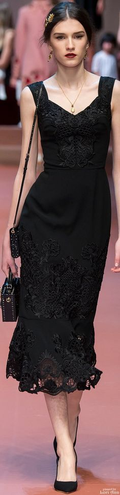 Dolce & Gabbana Fall 2015 RTW - D&G gets it right again with this solidbla black cocktail dress.