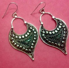 Fashion jewelry in silver. From the house of kapil jewels. For further details contact us. Silver Jewellery, Sterling Silver Jewelry, Hanging Earrings, Jaipur, Crochet Earrings, Fashion Jewelry, Jewels, Detail, Pink