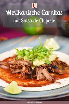 MEXIKANISCHE CARNITAS MIT SALSA DE CHIPOTLE Knuspriges Pulled Pork, das du einfach selber machen kannst, entweder im Slow Cooker oder Backofen. Die mexikanischen Carnitas mit Salsa de Chipotle sind einfach perfekt. Dieses mexikanische Streetfood schmeckt nicht nur in Tacos, sondern auch auf Nachos oder Burgern. #CarnitasRezept #PulledPorkmexikanisch #SalsadeChipotleRezept #SlowCookerRezept #CarnitasCrockPot #CarnitasTacos #Carnitasselbermachen #PulledPorkselbermachen #CarnitasRub