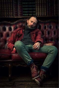 Filter magazine recently commissioned Michael Muller to photograph Radiohead frontman Thom Yorke for their March cover story on Yorke's new project, Atoms for Peace, who are releasing their… Colin Greenwood, Thom Yorke Radiohead, El Rock And Roll, Iron Man Movie, Red Wing Shoes, Wing Boots, Estilo Rock, Music Icon, Your Music
