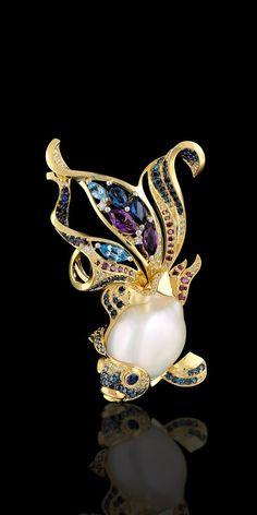 Segredos do oceano: Coleção Amarelo e ouro branco 750, pérola barroca, diamantes, diamantes azuis, diamantes roxos, safiras azuis, topázios, ametistas.