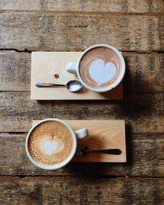 Cafeaua de dimineață e mai savuroasă în doi. Să aveți o săptămână frumoasă!