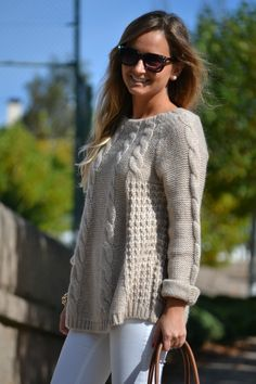 Casual pullover with braids Lace Knitting Patterns, How To Purl Knit, Sweater Weather, Crochet Clothes, Grey Sweater, Knitwear, Winter Fashion, Sweaters For Women, Creations