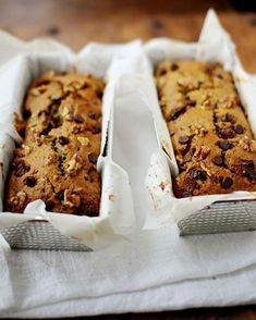 Zucchini Bread= Date & Walnut Zucchini Loaf Loaf Recipes, Raw Food Recipes, Baking Recipes, Sweet Recipes, French Recipes, Bread Cake, Dessert Bread, Adkins Snacks, Zucchini Loaf