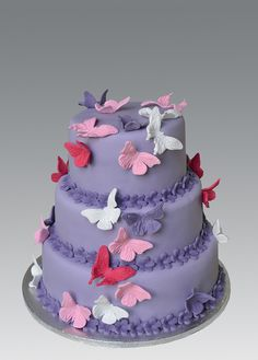 This is totally a Priscilla Silva cake!